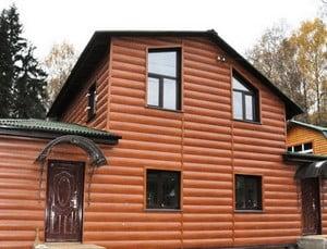 Дом, облицованный под бревно