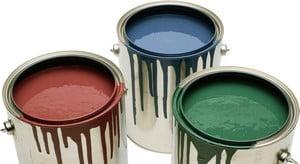 Три банки краски с разными цветами