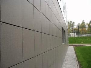 Стена, облицованная керамогранитом