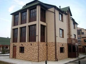 Дом со смешанной внешней отделкой