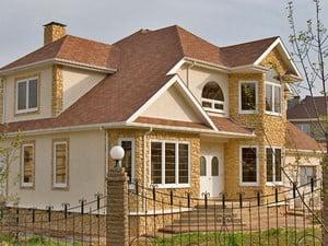Фасад дома с использованием разных материалов
