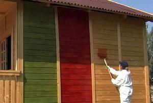 Покраска деревянного дома разными цветами