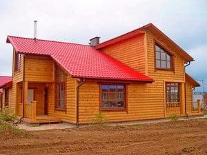 Дом, облицованный блокхаусом