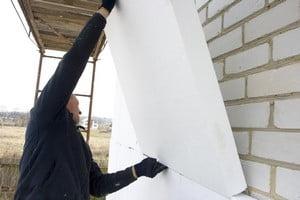 Монтаж пенопласта для утепления фасада