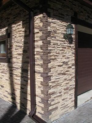 Использование искусственного камня для фасада