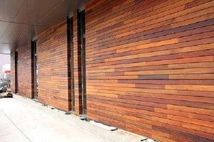Отделанный фасад панелями
