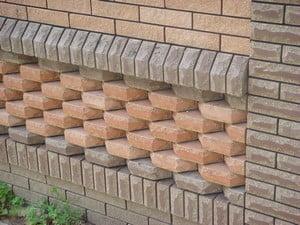 Узор из кирпичей на фасаде