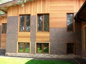 Красивый деревянный фасад дома