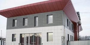 Вентфасад из керамогранита для двухэтажного дома