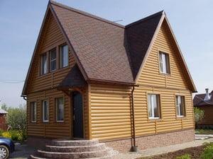 Дом деревянным сайдингом