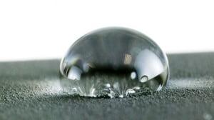 Капля воды крупным планом