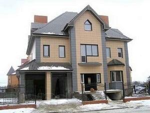 Частный дом, отделанный керамогранитом