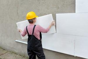 Монтаж плит пенопласта на наружные стены