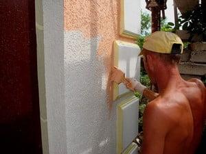 Окрашивание фасада короеда