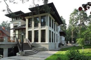 Современный фасад респектабельного дома